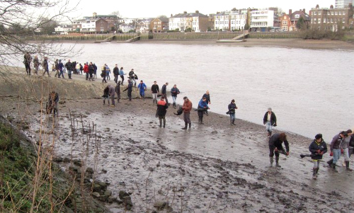 Thames21 - I volontari che ripuliscono il Tamigi nel cuore di Londra