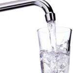 <b>A Mores, in Sardegna, l'acqua è di tutti ed è gratis.</b> E la porti a casa in bottiglia (purificata, refrigerata e gasata).