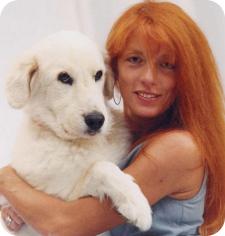 Il Ministro Michela Brambilla con un cane
