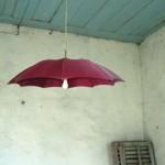 L'ombrello si è rotto? <br/ >Evviva! Ora lo posso riutilizzare…