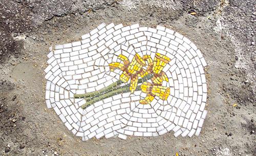 pothole-mosaic-flower